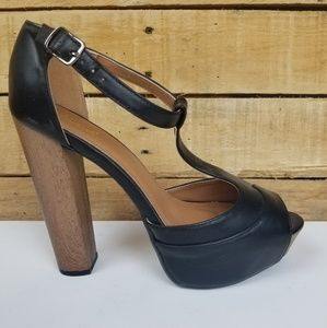 "Qupid 5"" Heel with Wood Shoe Size 8"